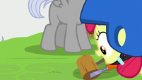 Apple Bloom puts tools at Chipcutter's hooves S7E6