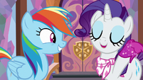"""Rarity """"at the drop of a fabulous hat!"""" S8E17"""