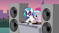 S02E26 DJ Pon-3 i Pinkie