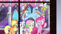 """Rainbow Dash """"it's total chaos out there!"""" S9E17"""