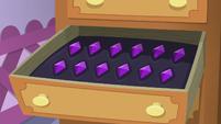 Rarity's gem drawer S5E3