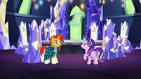 Starlight Glimmer levitating her magic scroll S7E24