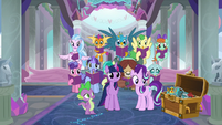 Twilight, Starlight, Spike, and students appear S8E17