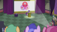 Twilight giving a lecture about cutie marks S5E25