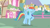 Rainbow Dash finishes her rainblow dry S1E01