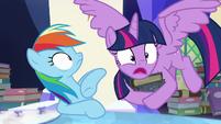 """Twilight """"sent the Pony of Shadows to limbo!"""" S7E25"""