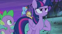 Twilight determined to catch Flutterbat S4E07