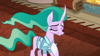 Mistmane -hides the misery of its ponies- S7E16