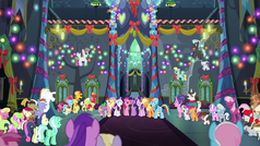 Ponies sing together in the Castle of Friendship S6E8c.png