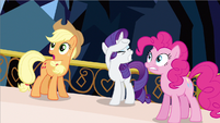 Rarity can't look S3E2