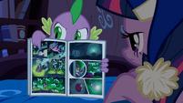 Spike reading comic book S4E06