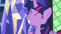 Twilight Sparkle excited to go on vacation S7E22