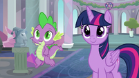 Twilight and Spike smile at Young Six S9E3
