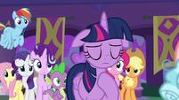 Twilight apologizes for failing Cozy Glow S8E26
