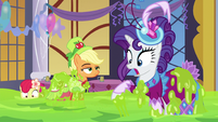 AJ, Apple Bloom, and Rarity covered in slime S5E7