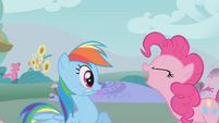 Pinkie Pie imitating a dragon S1E07