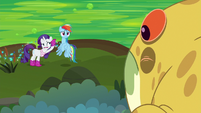 Rainbow and Rarity unable to hear Bufogren S8E17