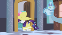 Rarity levitating Opalescence to bathroom S2E09