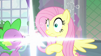 Spike taking Fluttershy's photograph S8E9