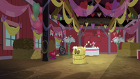 Mac, Spike, and Discord hide as someone enters the barn S8E10
