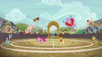 Pinkie Pie scores a point on Appleloosa S6E18
