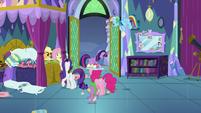 Twilight Sparkle leaving her bedroom S8E2