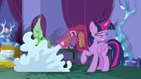 Twilight sprays Spike with fire-retardant foam S8E11