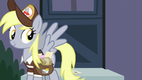 Derpy leaves postcard at Scootaloo's door S9E12