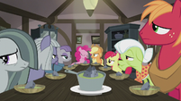 Pinkie Pie -dinner is dinner- S5E20
