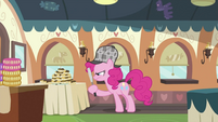 Pinkie Pie looking around 3 S2E24