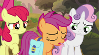Scootaloo sighing in front of her aunts S9E12