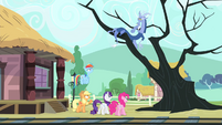 Main cast sees Discord on the tree S4E11