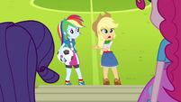 Rainbow and Applejack misunderstanding EG