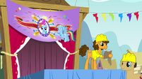 Rainbow looking at banner S4E12