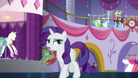 Rarity -isn't rushing to open the door this time- S5E14