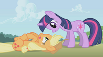Twilight is happy to see Applejack in one piece S1E04