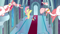 Fluttershy offers feather massages to geese S9E4