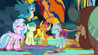 Gallus' friends all agreeing with him S9E3