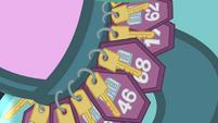 Hotel keys S4E08