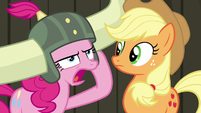 """Pinkie """"pink pony no need apple pony's help!"""" S7E11"""