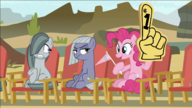 S07E04 Głośny doping Pinkie