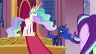 S07E10 Celestia i Luna patrzą na siebie