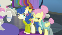 Snooty Fluttershy insulting Blueberry Curls S8E4