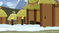 Mud falls out of the hut wall again S7E11