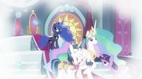 Princess Luna levitating the crown S9E4