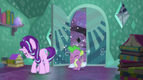 Starlight and Spike enters Sunburst's house S6E2