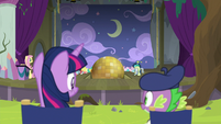 Twilight and Spike watch the play rehearsal S8E7