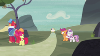 Big Mac and CMCs watch Sugar Belle and Feather ride away S7E8