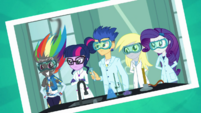 Photo of Rainbow Dash and the chemistry club EGDS4