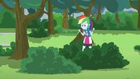 Rainbow Dash hears Pinkie in the bush EG3